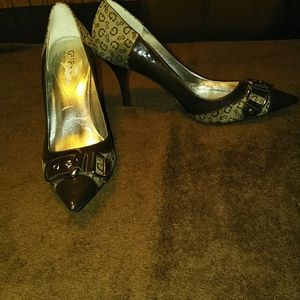 Tan & brown pointy toe guess shoes